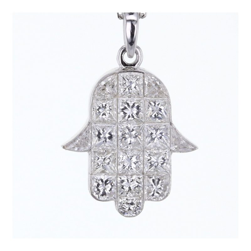 Hamsa invisible set diamond pendant