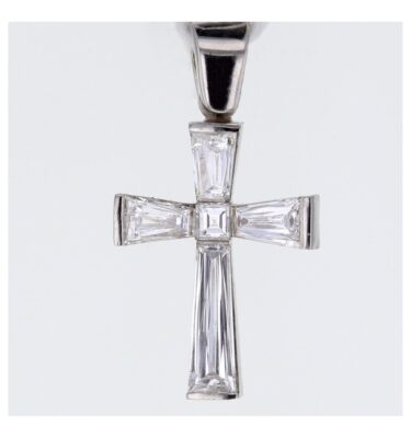 Invisible set taper diamond elegant cross