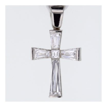 Rionore Invisible set taper diamond elegant cross in white gold