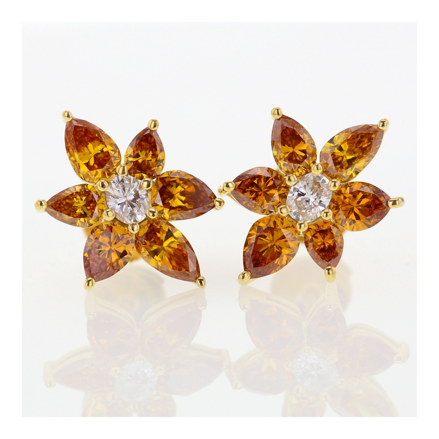 flower shaped diamond stud earrings